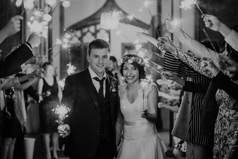 POWDERHAM-CASTLE-WEDDING-PHOTOGRAPHER-CORNWALL-DEVON-117.jpg