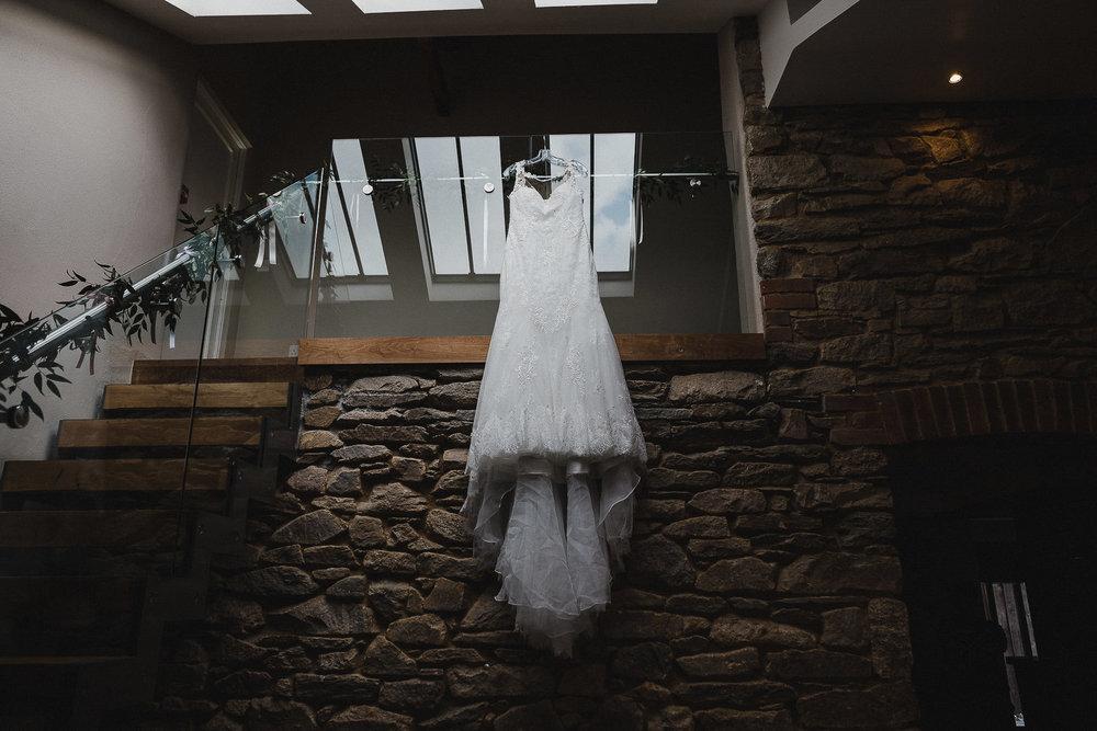 TREVVENA-BARNS-WEDDING-PHOTOGRAPHER-CORNWALL-DEVON-6.jpg