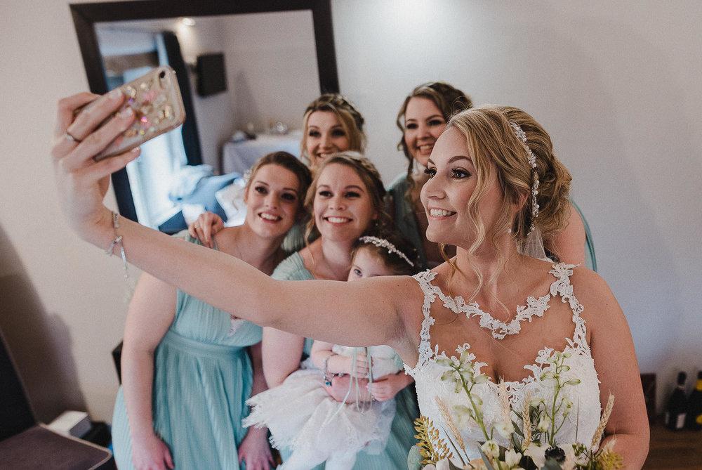 TREVVENA-BARNS-WEDDING-PHOTOGRAPHER-CORNWALL-DEVON-18.jpg