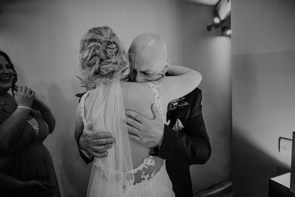 TREVVENA-BARNS-WEDDING-PHOTOGRAPHER-CORNWALL-DEVON-19.jpg