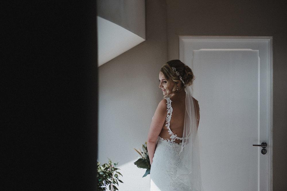 TREVVENA-BARNS-WEDDING-PHOTOGRAPHER-CORNWALL-DEVON-21.jpg