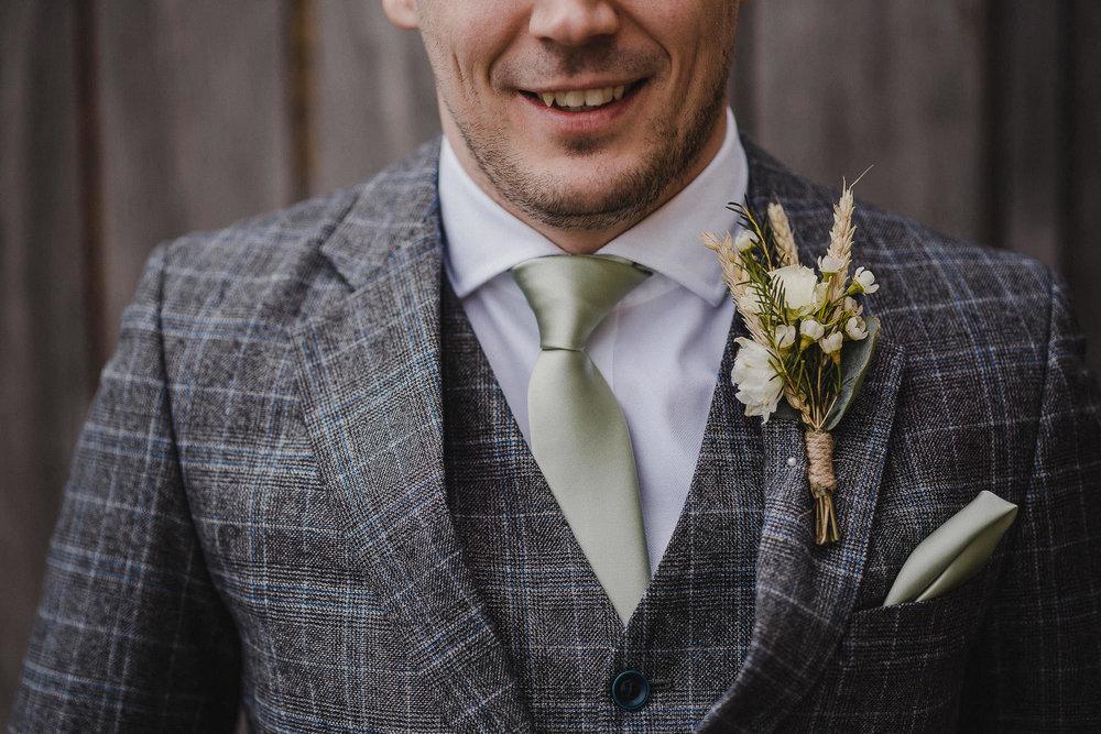 TREVVENA-BARNS-WEDDING-PHOTOGRAPHER-CORNWALL-DEVON-26.jpg