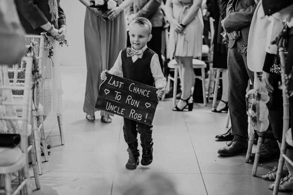 TREVVENA-BARNS-WEDDING-PHOTOGRAPHER-CORNWALL-DEVON-32.jpg