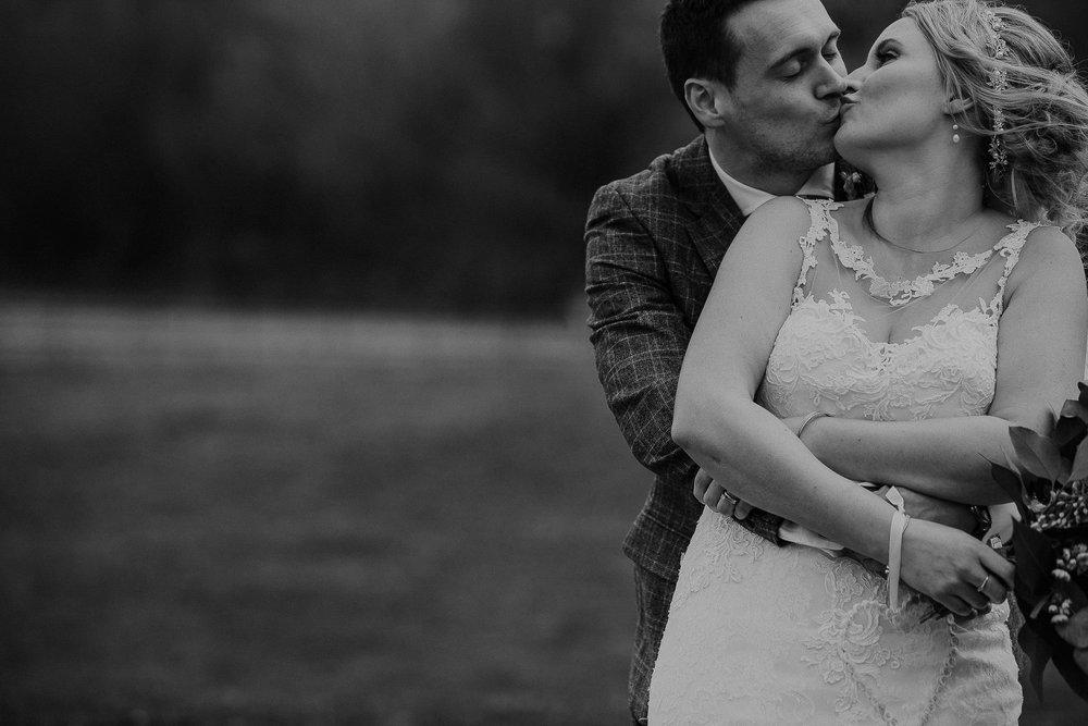 TREVVENA-BARNS-WEDDING-PHOTOGRAPHER-CORNWALL-DEVON-55.jpg