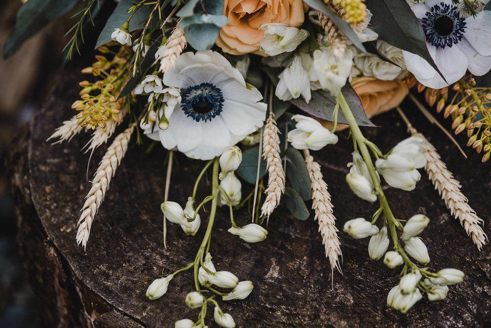 TREVVENA-BARNS-WEDDING-PHOTOGRAPHER-CORNWALL-DEVON-81.jpg