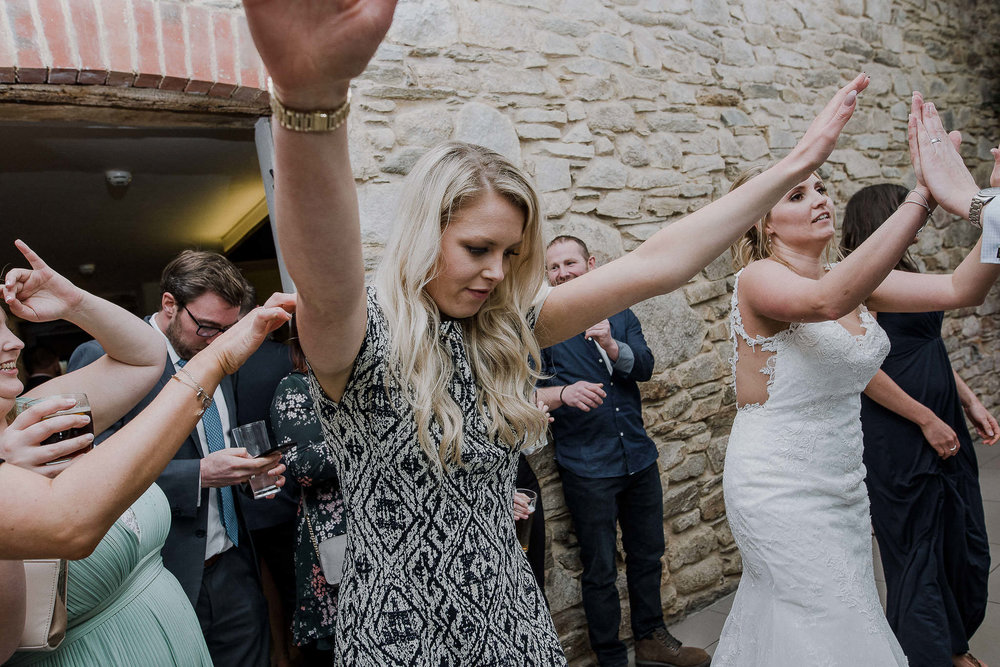 TREVVENA-BARNS-WEDDING-PHOTOGRAPHER-CORNWALL-DEVON-98.jpg