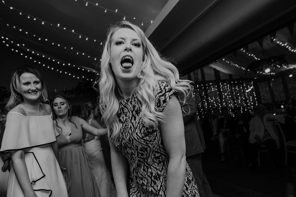 TREVVENA-BARNS-WEDDING-PHOTOGRAPHER-CORNWALL-DEVON-101.jpg