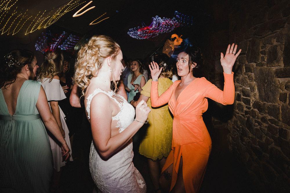 TREVVENA-BARNS-WEDDING-PHOTOGRAPHER-CORNWALL-DEVON-105.jpg