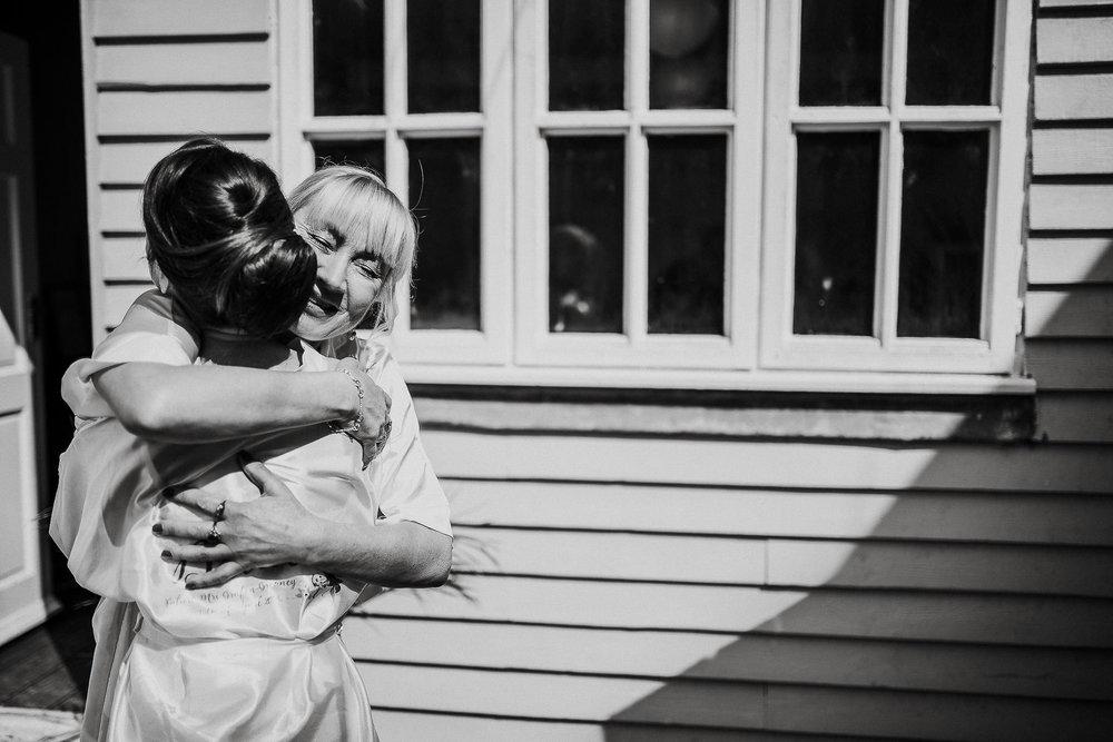 LUSTY-GLAZE-WEDDING-PHOTOGRAPHER-CORNWALL-19.jpg