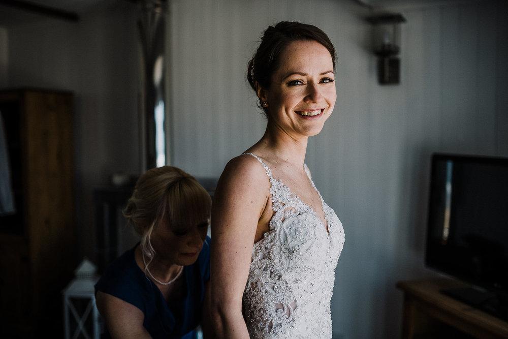 LUSTY-GLAZE-WEDDING-PHOTOGRAPHER-CORNWALL-28.jpg