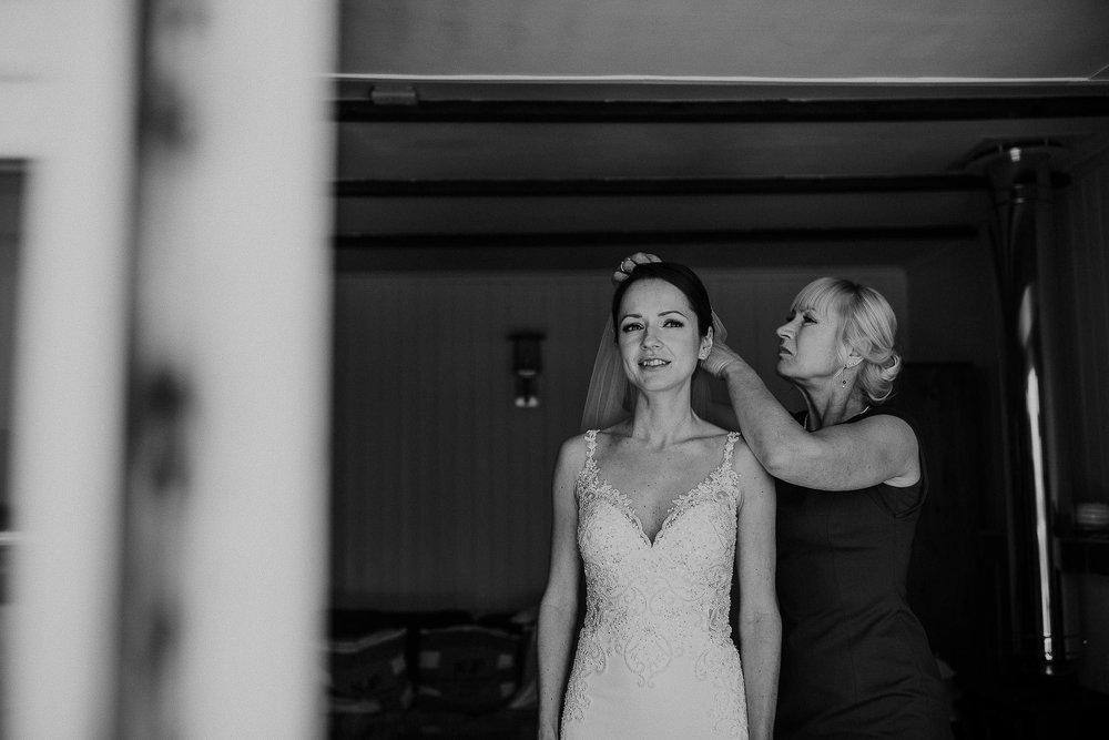 LUSTY-GLAZE-WEDDING-PHOTOGRAPHER-CORNWALL-30.jpg