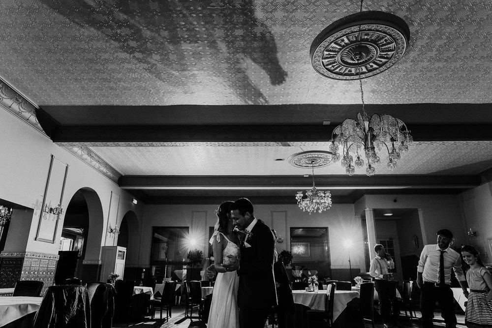 WOOLACOMBE-BAY-HOTEL-WEDDING-PHOTOGRAPHER-DEVON-CORNWALL-133.jpg