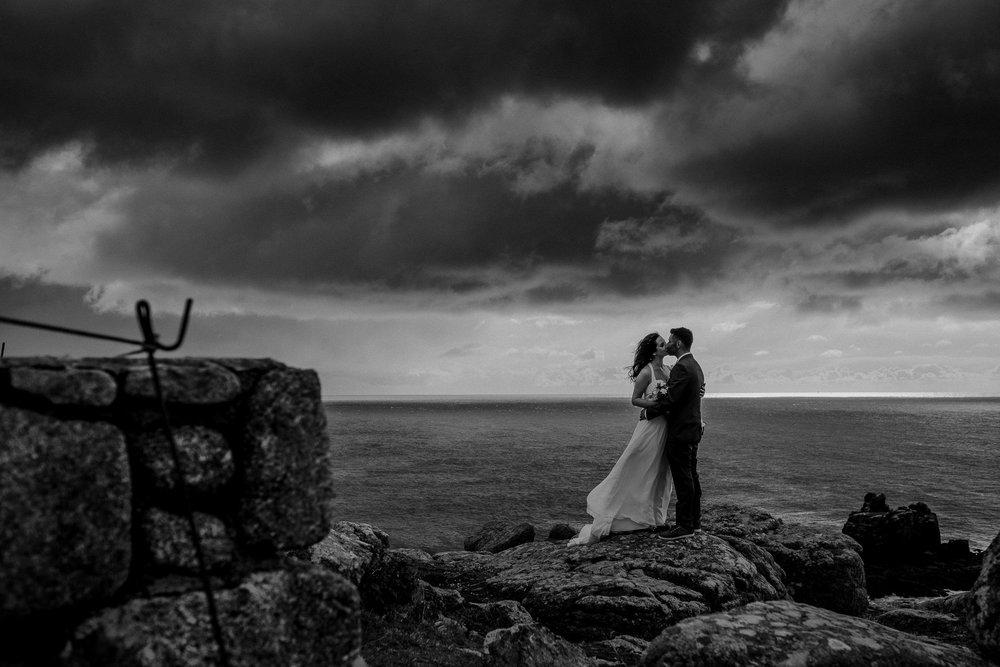 BEST-WEDDING-PHOTOGRAPHER-CORNWALL-AND-DEVON-2019-16.jpg