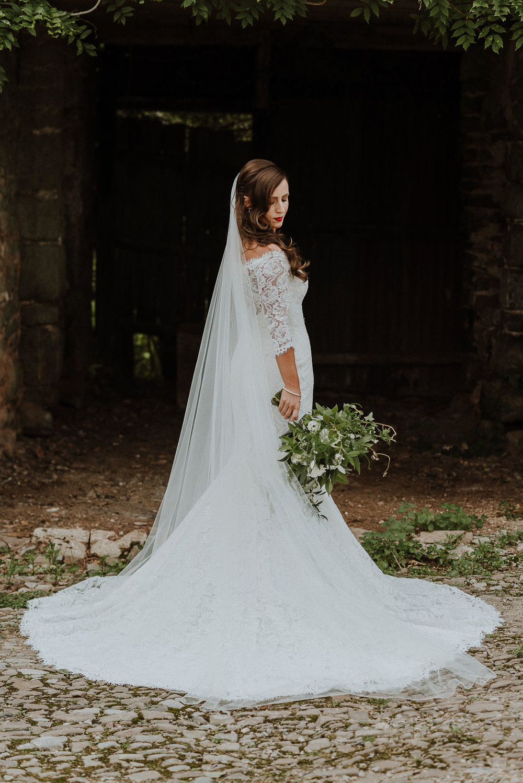 BEST-WEDDING-PHOTOGRAPHER-CORNWALL-AND-DEVON-2019-24.jpg