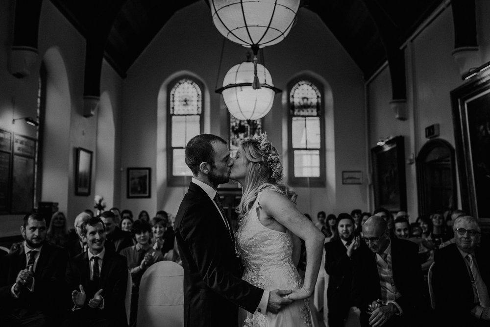 BEST-WEDDING-PHOTOGRAPHER-CORNWALL-AND-DEVON-2019-33.jpg