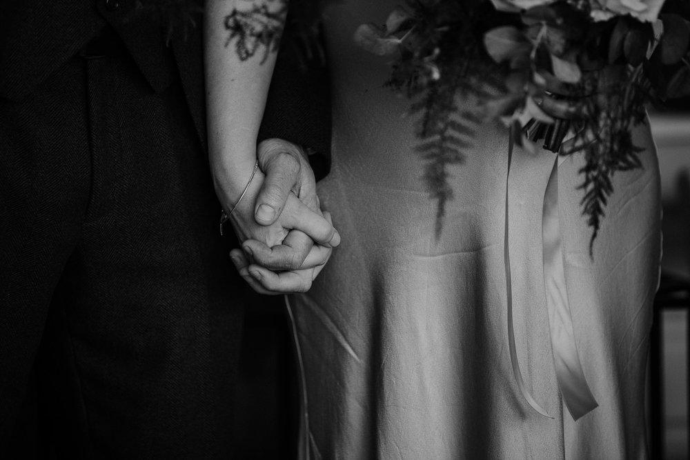 BEST-WEDDING-PHOTOGRAPHER-CORNWALL-AND-DEVON-2019-38.jpg