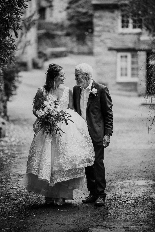 BEST-WEDDING-PHOTOGRAPHER-CORNWALL-AND-DEVON-2019-46.jpg