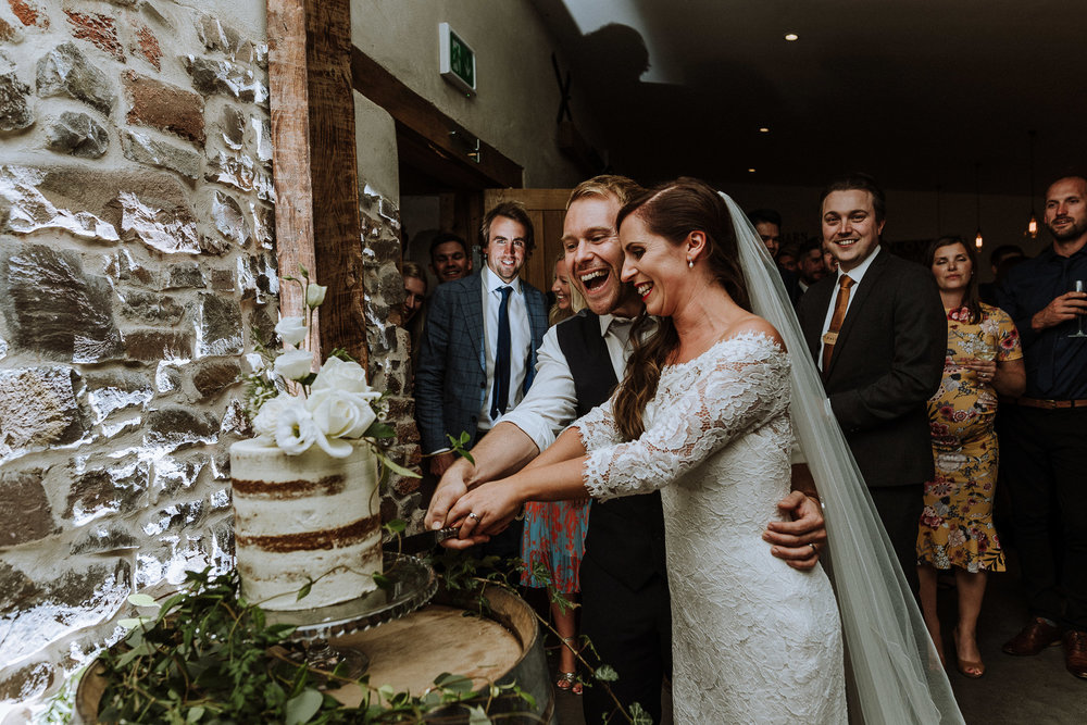 BEST-WEDDING-PHOTOGRAPHER-CORNWALL-AND-DEVON-2019-62.jpg