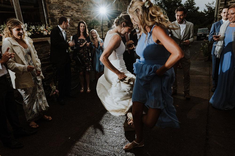 BEST-WEDDING-PHOTOGRAPHER-CORNWALL-AND-DEVON-2019-67.jpg