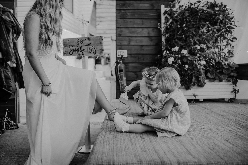 BEST-WEDDING-PHOTOGRAPHER-CORNWALL-AND-DEVON-2019-78.jpg