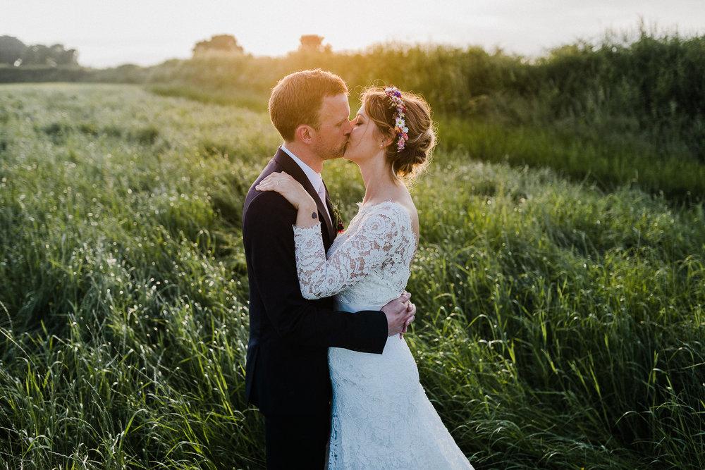 BEST-WEDDING-PHOTOGRAPHER-CORNWALL-AND-DEVON-2019-106.jpg