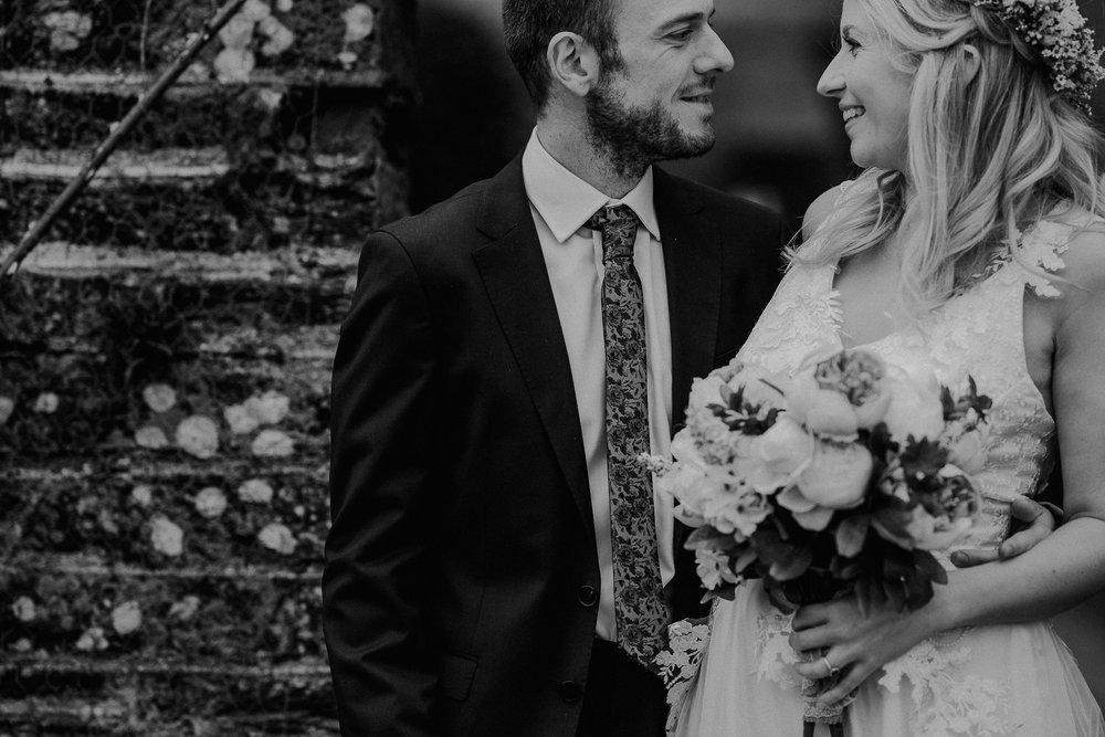 BEST-WEDDING-PHOTOGRAPHER-CORNWALL-AND-DEVON-2019-119.jpg
