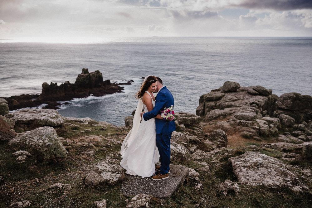 BEST-WEDDING-PHOTOGRAPHER-CORNWALL-AND-DEVON-2019-130.jpg