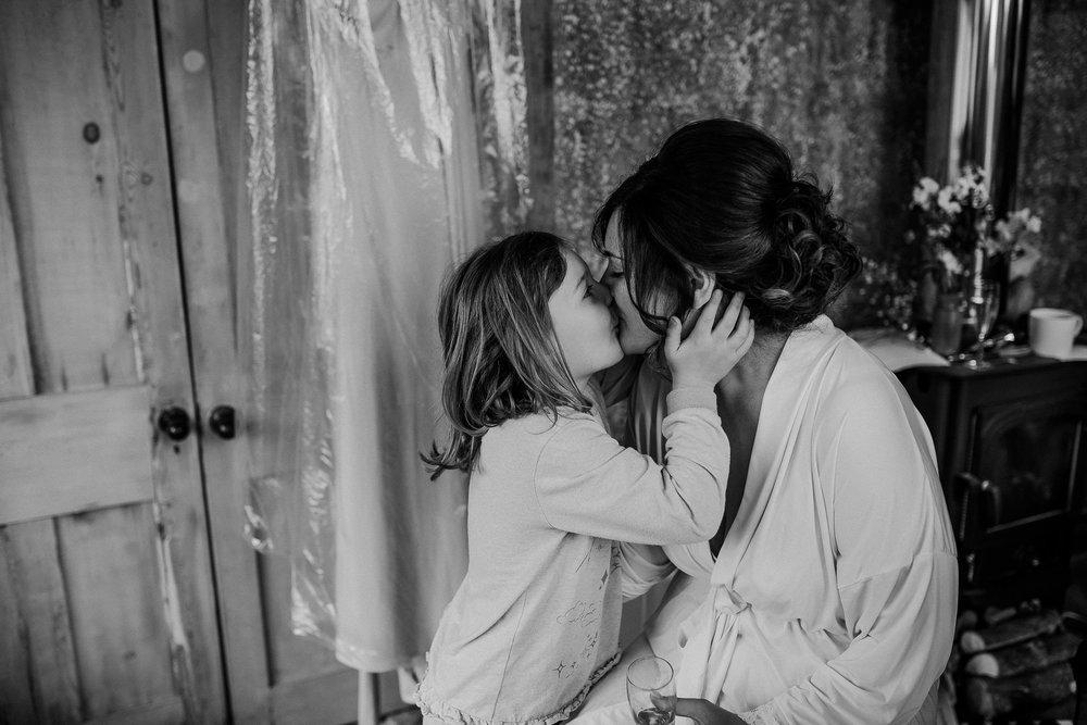 BEST-WEDDING-PHOTOGRAPHER-CORNWALL-AND-DEVON-2019-142.jpg