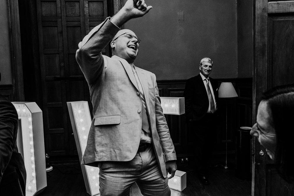BEST-WEDDING-PHOTOGRAPHER-CORNWALL-AND-DEVON-2019-171.jpg