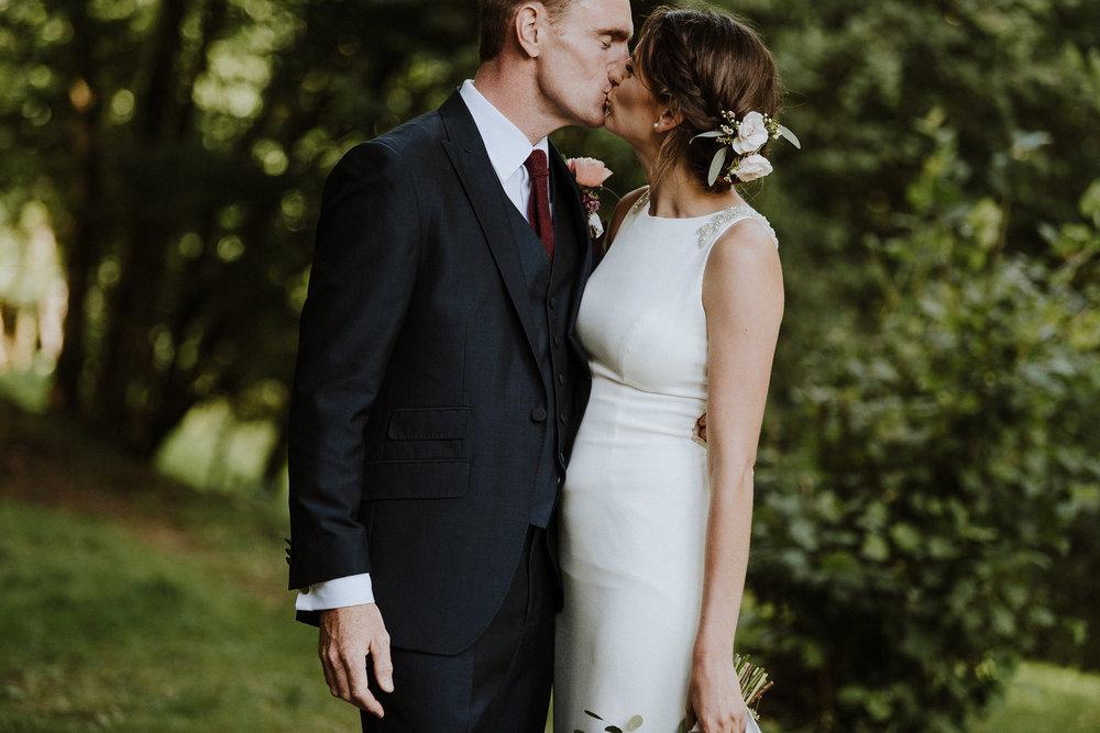 BEST-WEDDING-PHOTOGRAPHER-CORNWALL-AND-DEVON-2019-172.jpg
