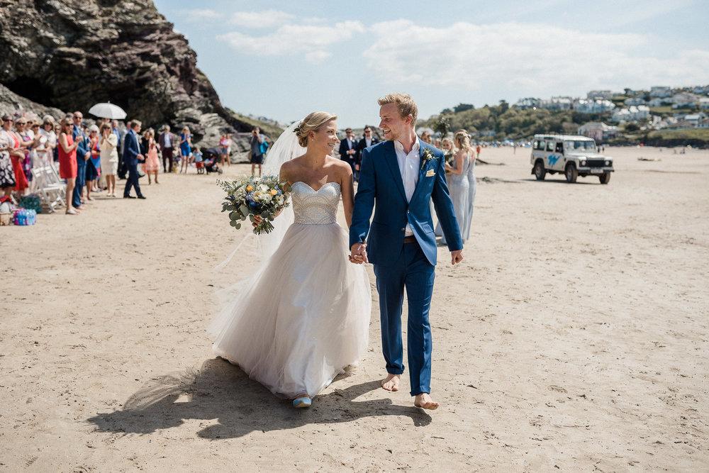 BEST-WEDDING-PHOTOGRAPHER-CORNWALL-AND-DEVON-2019-183.jpg