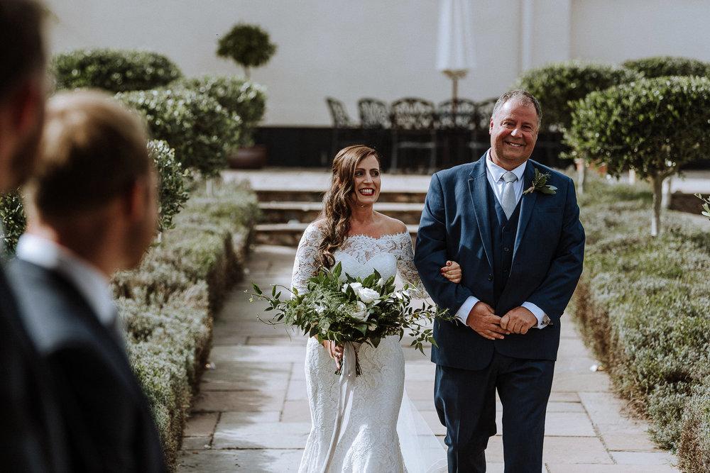 BEST-WEDDING-PHOTOGRAPHER-CORNWALL-AND-DEVON-2019-185.jpg