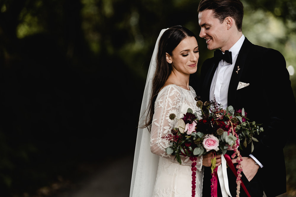 BEST-WEDDING-PHOTOGRAPHER-CORNWALL-AND-DEVON-2019-187.jpg