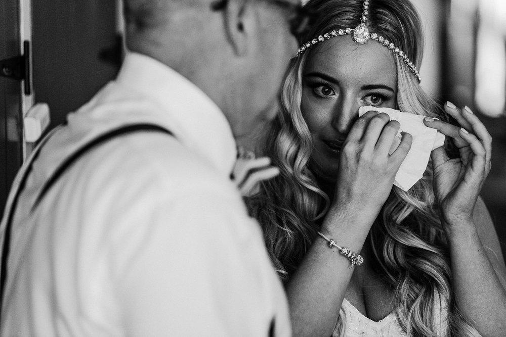 BEST-WEDDING-PHOTOGRAPHER-CORNWALL-AND-DEVON-2019-200.jpg
