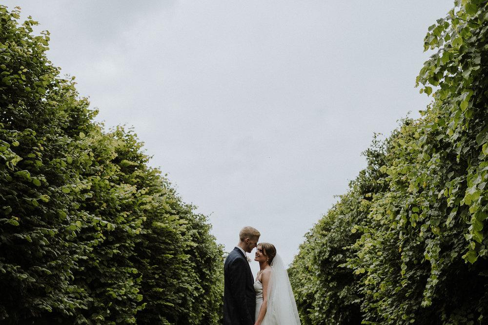 BEST-WEDDING-PHOTOGRAPHER-CORNWALL-AND-DEVON-2019-210.jpg