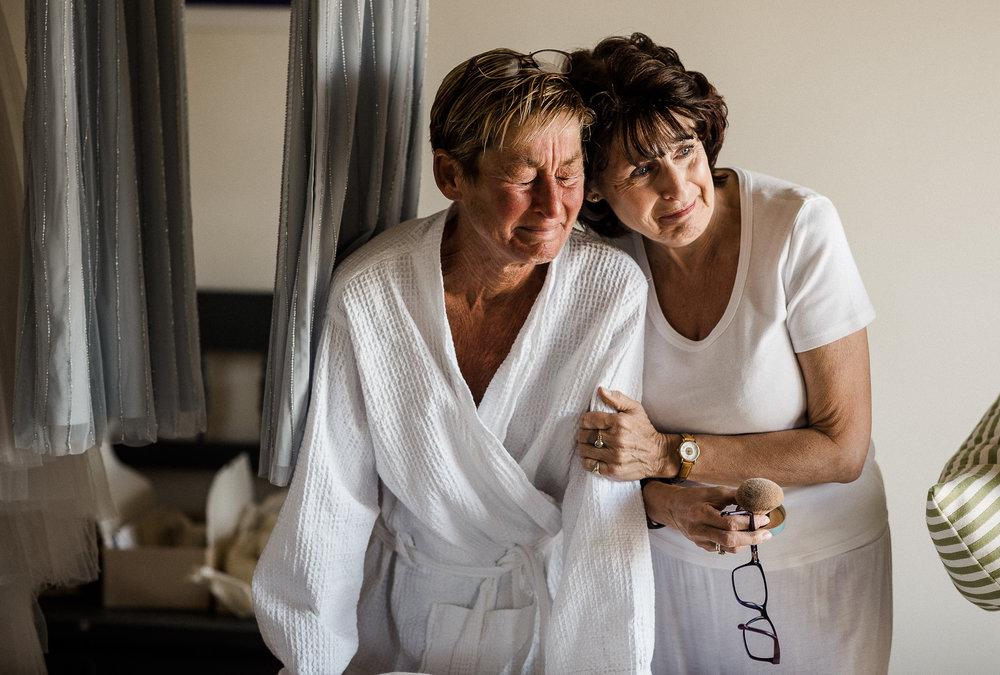 BEST-WEDDING-PHOTOGRAPHER-CORNWALL-AND-DEVON-2019-217.jpg