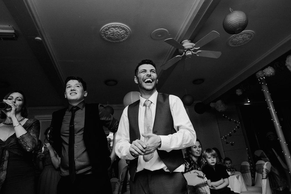 BEST-WEDDING-PHOTOGRAPHER-CORNWALL-AND-DEVON-2019-220.jpg