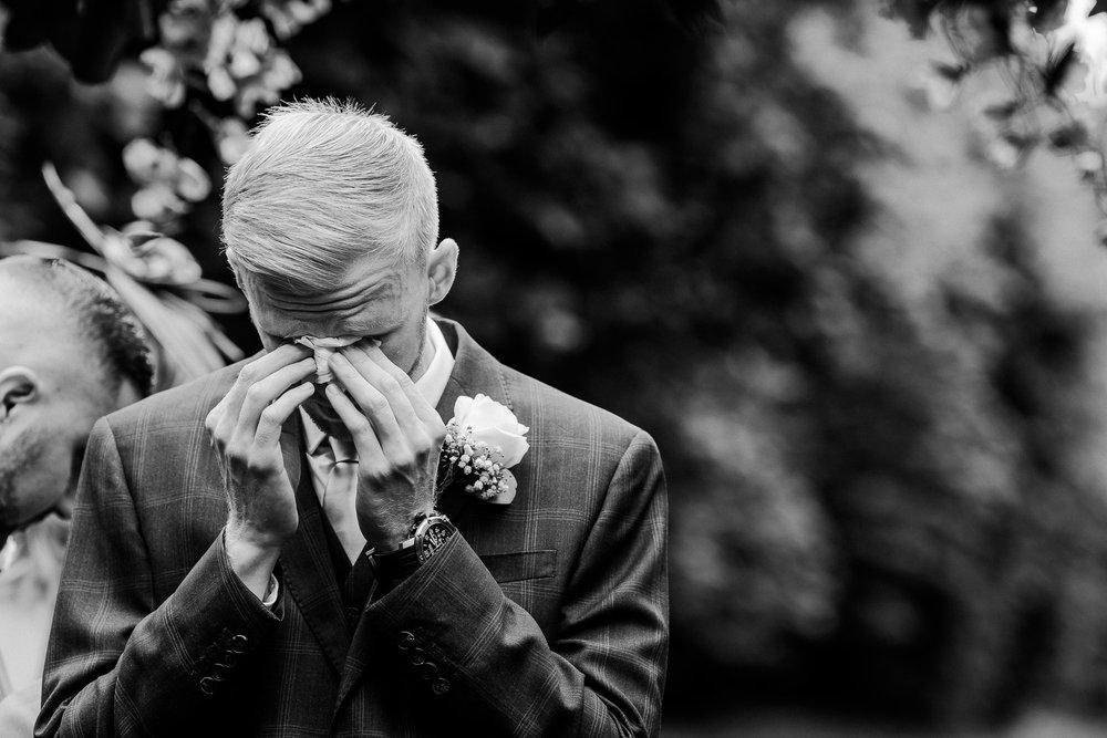 BEST-WEDDING-PHOTOGRAPHER-CORNWALL-AND-DEVON-2019-230.jpg