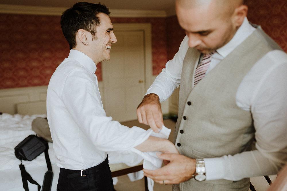 CORNWALL-WEDDING-PHOTOGRAPHER-DEVON-26.jpg