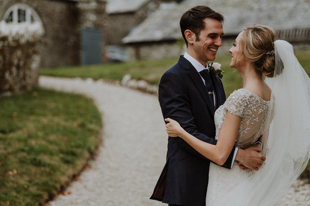 CORNWALL-WEDDING-PHOTOGRAPHER-DEVON-27.jpg