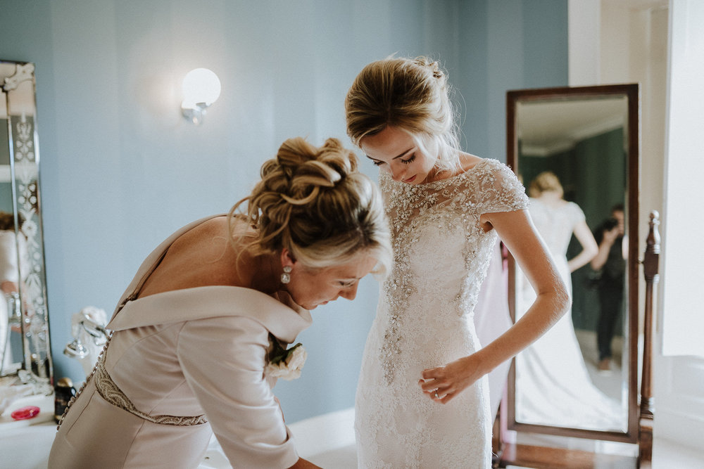 CORNWALL-WEDDING-PHOTOGRAPHER-DEVON-33.jpg