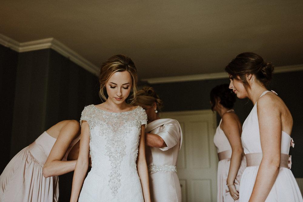 CORNWALL-WEDDING-PHOTOGRAPHER-DEVON-32.jpg