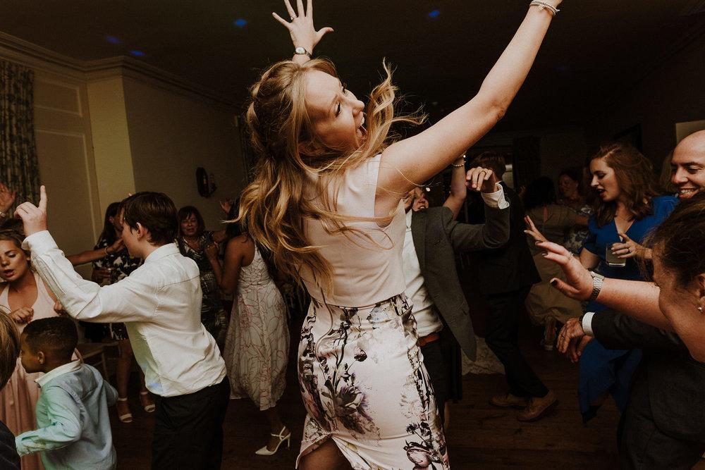CORNWALL-WEDDING-PHOTOGRAPHER-DEVON-49.jpg
