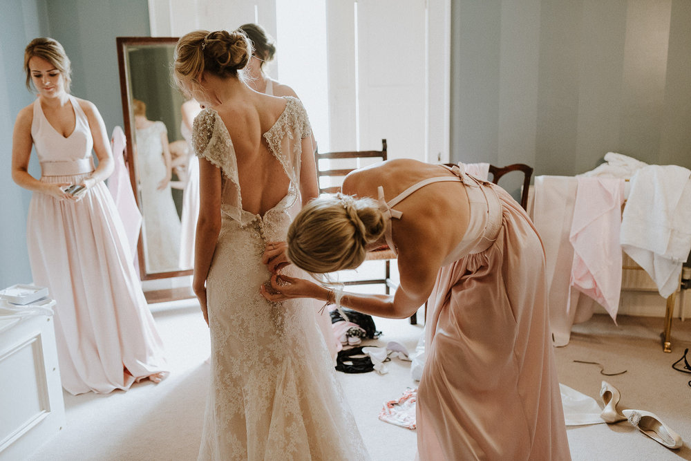 CORNWALL-WEDDING-PHOTOGRAPHER-DEVON-77.jpg