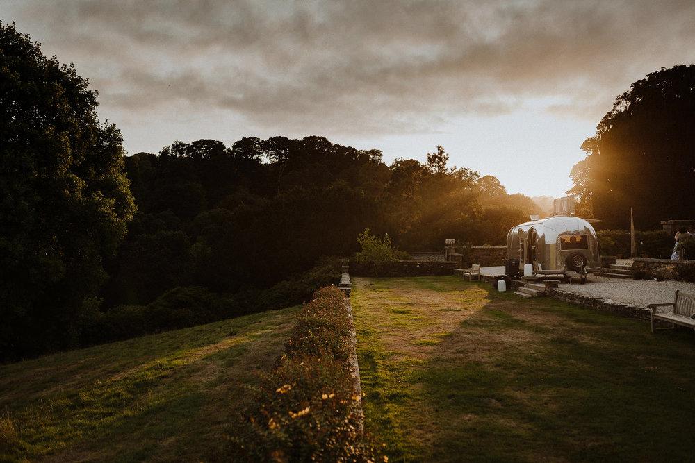 CORNWALL-WEDDING-PHOTOGRAPHER-DEVON-92.jpg