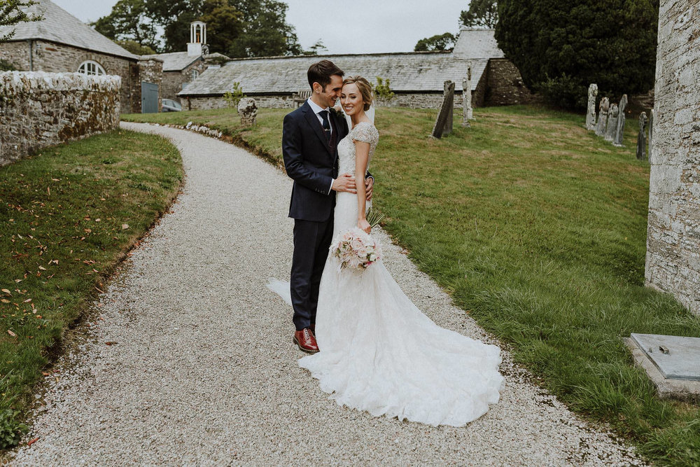 CORNWALL-WEDDING-PHOTOGRAPHER-DEVON-97.jpg