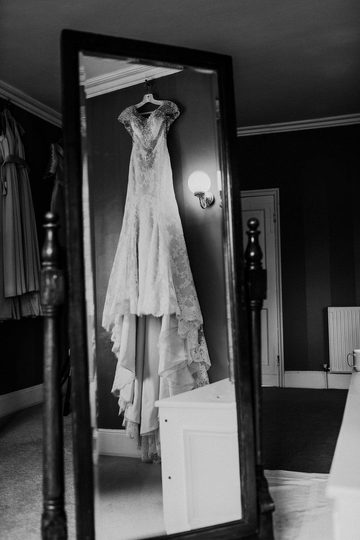 CORNWALL-WEDDING-PHOTOGRAPHER-DEVON-100.jpg
