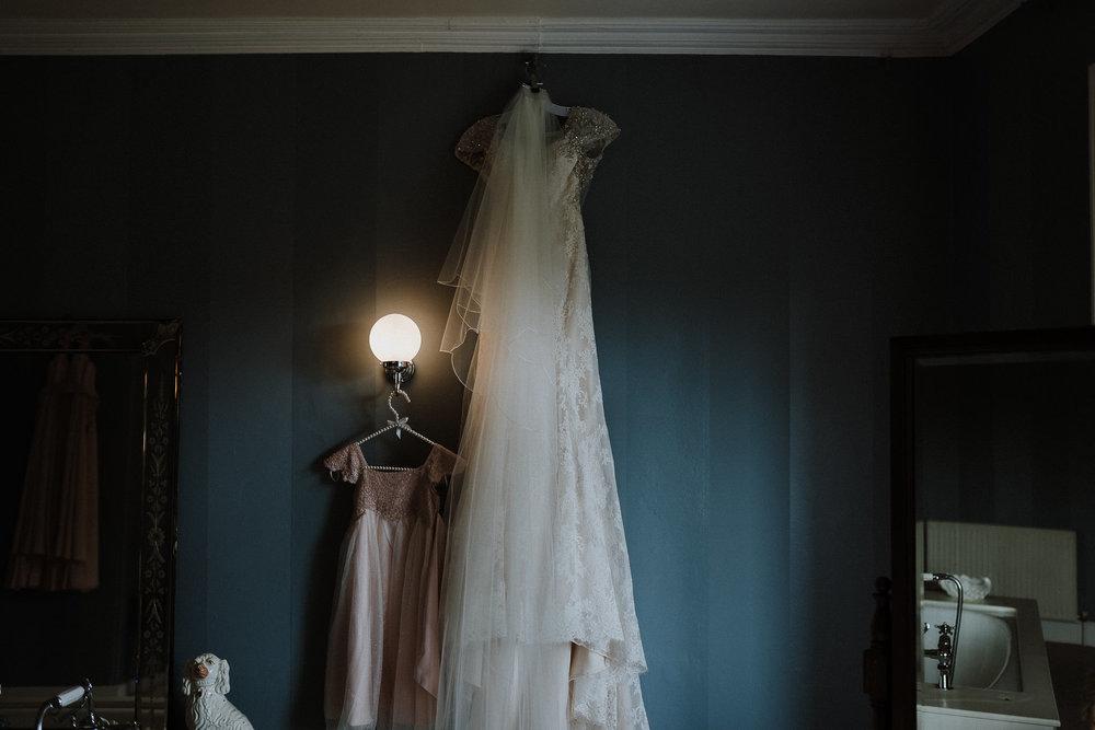 CORNWALL-WEDDING-PHOTOGRAPHER-DEVON-104.jpg