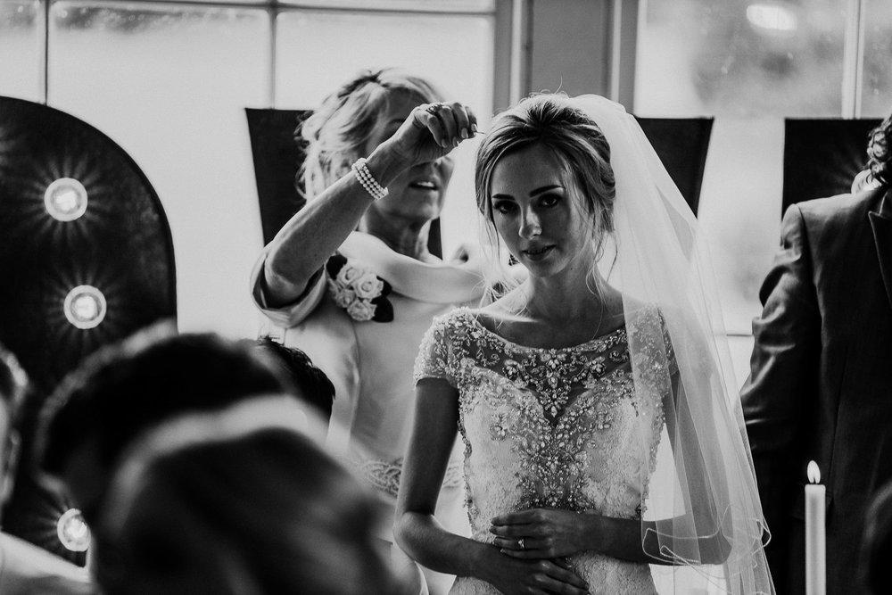 CORNWALL-WEDDING-PHOTOGRAPHER-DEVON-112.jpg