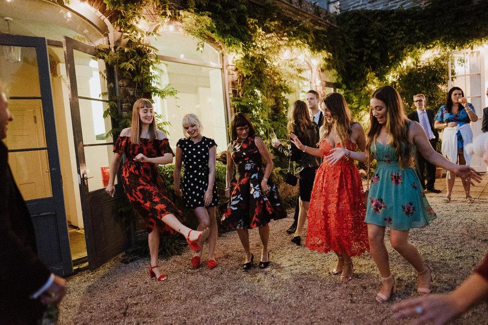 CORNWALL-WEDDING-PHOTOGRAPHER-DEVON-122.jpg